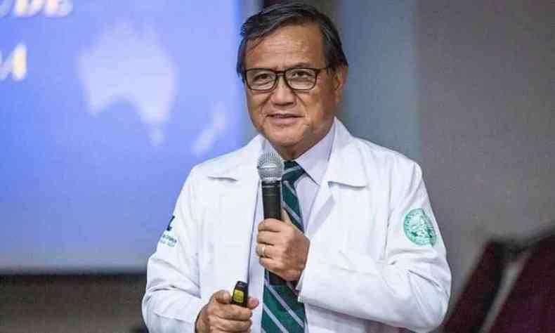 No atestado de óbito, de acordo com a orientação das secretarias de Saúde dos estados, deveria informar que Anthony Wong teve COVID