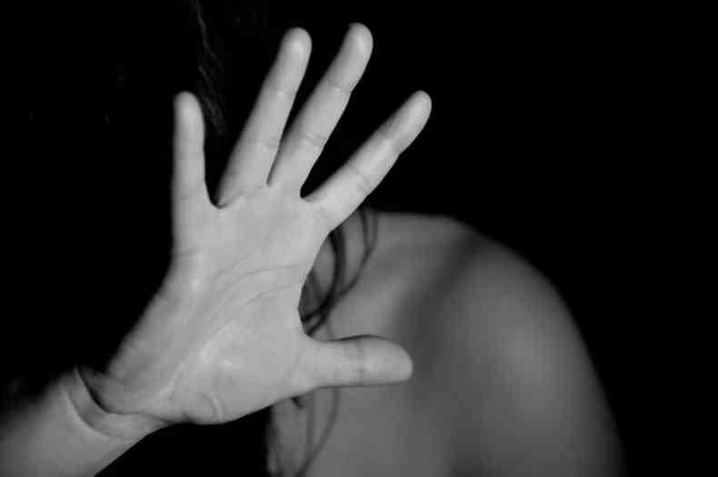 Autor de violência contra a mulher pode pegar até 2 anos de prisão(foto: Pixabay/Reprodução)