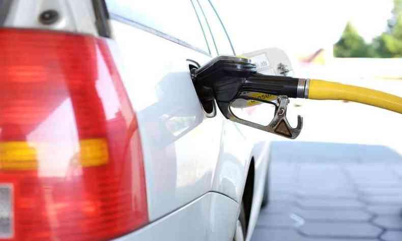 Apesar de queda nos preços do etanol, diretor da pesquisa afirma que a compra do combustível não é viável para o consumidor(foto: Pixabay/Reprodução)