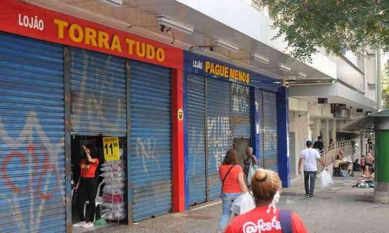 A partir da próxima segunda-feira, ficam proibidos de abrir as portas todos os serviços que foram liberados a partir de 25 de maio, quando o processo de reabertura se iniciou(foto: Leandro Couri/EM- DA Press)