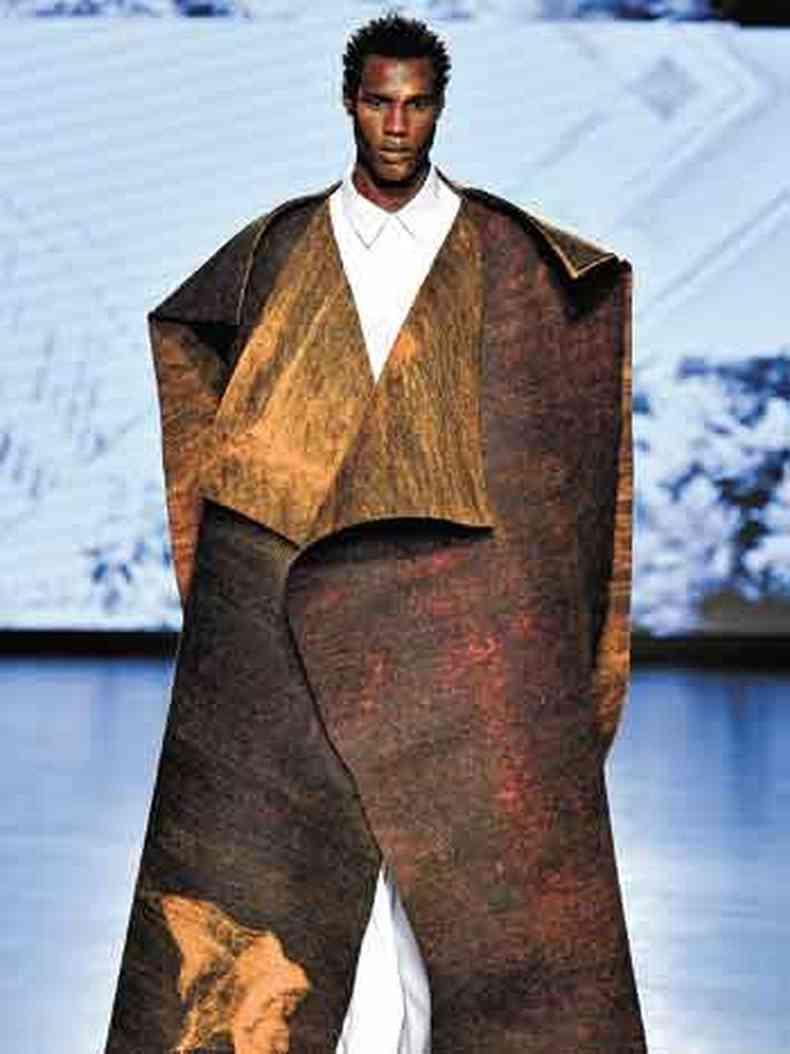 Catarina Mina, Natural Cotton Color e Helena Pontes apresentam em Milão peças com tecidos inéditos de fibras naturais