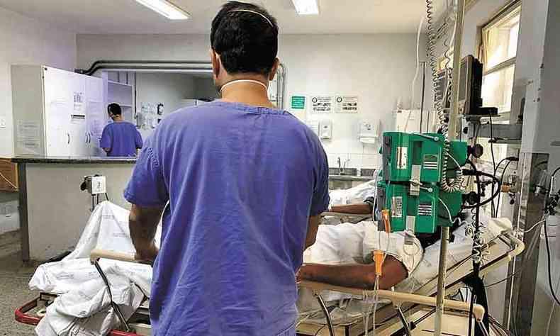 Paciente com COVID-19 em atendimento: para a Federassantas, estrat