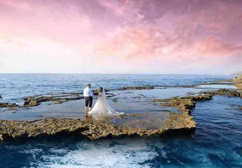 Cancún, no México, é o cenário ideal para muitos casais que buscam realizar o matrimônio fora do país(foto: Henri Meilhac/Unsplash)