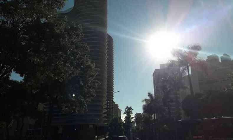 A capital terá nesta sexta (9/4) céu claro com poucas nuvens(foto: Jair Amaral/EM D.A Press)