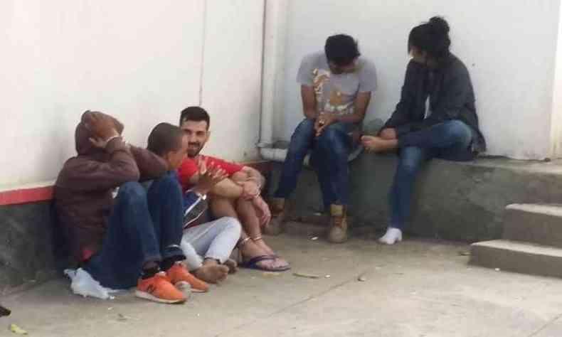 Presos durante a operação em Pitangui, na Região Central de Minas(foto: Paulo Filgueiras/EM/DA Press)