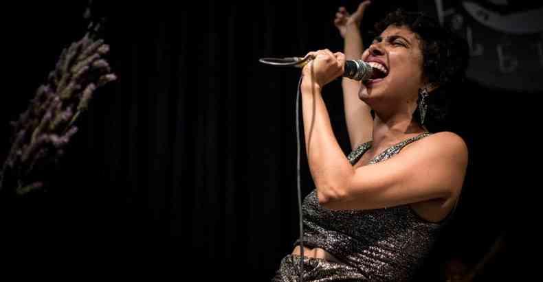 Isabela Morais faz show de reinauguração do Centro Cultural Milton Nascimento, em Três Pontas(foto: Vanusa Campos/divulgação )