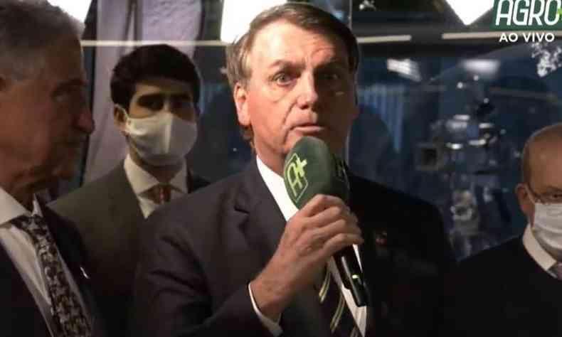Bolsonaro voltou a defender a reabertura do comércio para retomada da economia(foto: Agro Band/Reprodução )