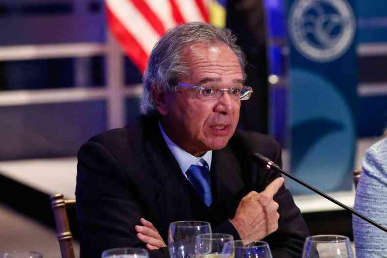 O ministro também falou sobre a oposição. Questionado sobre as críticas, Guedes afirmou que não ia sair 'no grito' (foto: Alan Santos/PR)