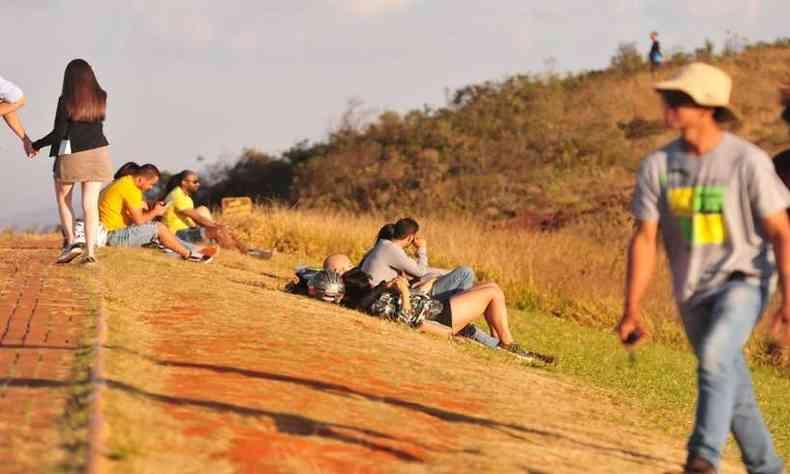 Ponto de lazer para praticantes de voo livre, o ponto turístico foi interditado pela prefeitura de Brumadinho no fim de abril(foto: Gladyston Rodrigues/EM/D.A Press)