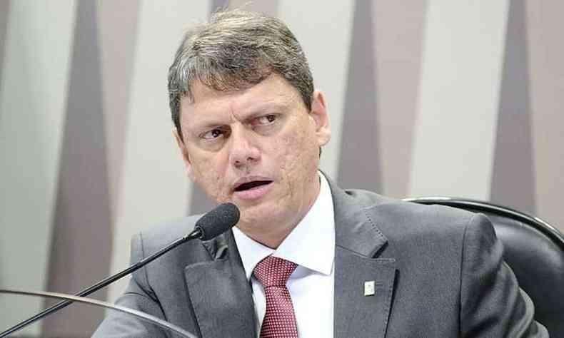 O ministro da Infraestrutura, Tarcísio de Freitas, diz que tentar evitar que projetos para abrir as cancelas durante a pandemia avancem(foto: Reprodução Wikipédia )