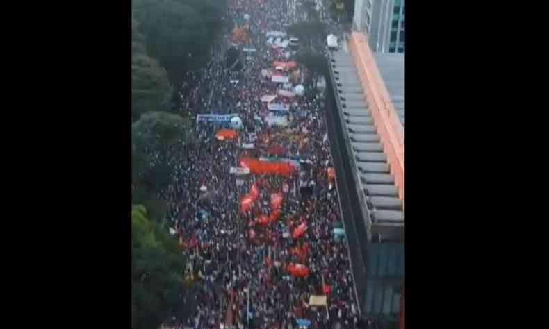 Avenida Paulista foi tomada por manifestantes, que protestaram contra o governo de Jair Bolsonaro(foto: Reprodução)